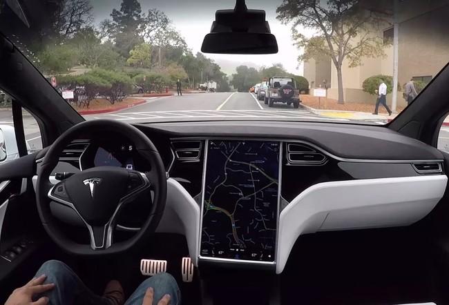 Tesla crea un fondo de compensación de cinco millones de dólares por los retrasos en las actualizaciones del Autopilot