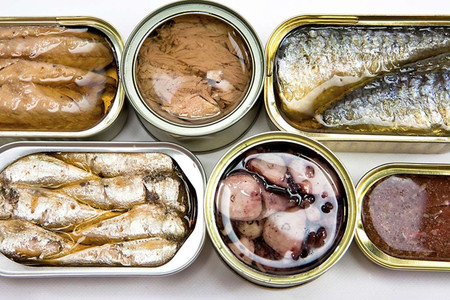 Las calorías y nutrientes que podemos encontrar en las latas de atún y en otras conservas de pescado