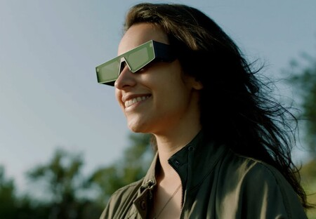 Snapchat presenta sus primeras gafas de realidad aumentada para llevar sus filtros y objetos virtuales al entorno real