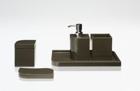 Complementos Armani Casa para un baño de lujo