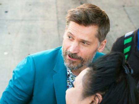 Nikolaj Coster-Waldau ha lucido ya el traje que todos debemos llevar en las bodas de este verano