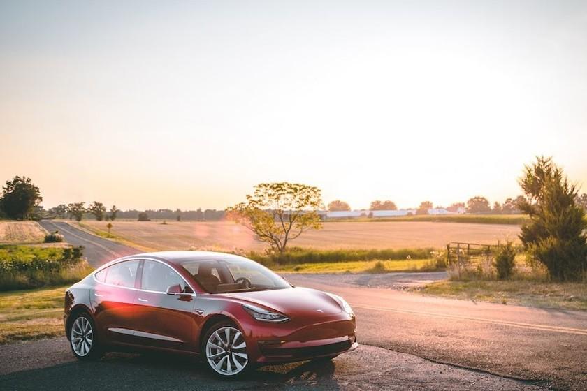 Tesla finalmente lanza la versión de 35.000 dólares del ...