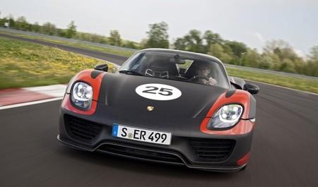 Porsche 918 Spyder negro y naranja 017