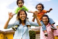 Risoterapia en familia: hoy toca reír un poco más