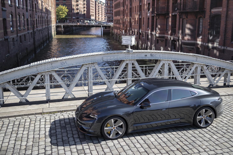 Foto de Porsche Taycan prueba contacto (67/275)