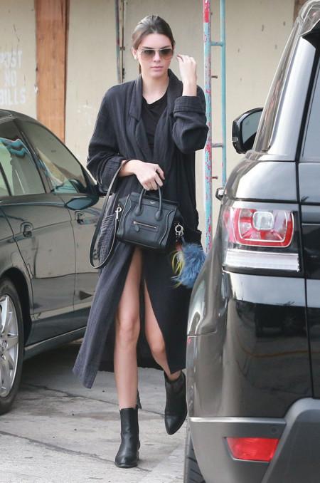 Kendall Jenner Abrigo Largo