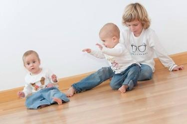 """""""Me ha sorprendido lo mucho que juegan"""". Entrevista a Eva Maria Bernal, madre de gemelos nacidos por donación de embriones"""