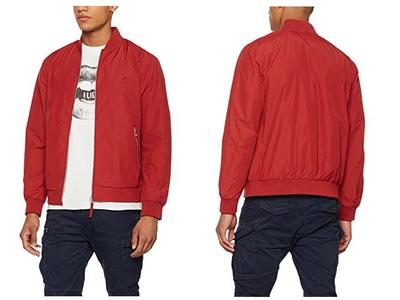 Por sólo 21,95 euros puedes hacerte con la chaqueta bomber Jorpacific de Jack & Jones en rojo gracias a Amazon