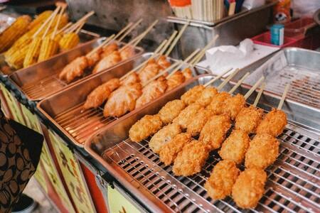 La ingesta de carne frita afecta negativamente la flora intestinal y el control de la glucosa en sangre, según un estudio