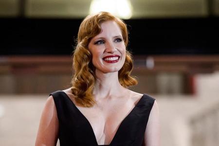 Jessica Chastain apuesta por Oscar de la Renta en la red carpet de San Sebastián