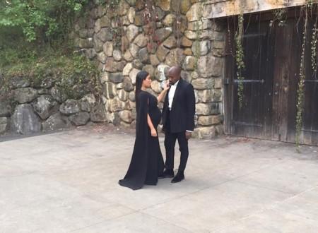 Kim Kardashian se pasa al lado oscuro (y negro) de su armario
