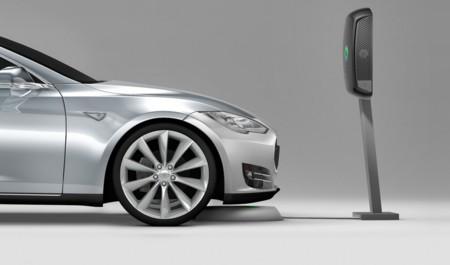 Evatran compatibiliza su sistema de recarga inalámbrica para el Tesla Model S