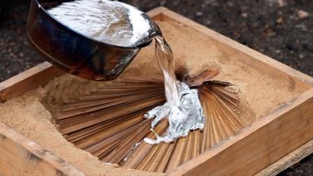 Recicladecoración: taburetes fabricados a partir de latas de aluminio