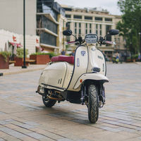 Royal Alloy GP 125 S y TG 300 S: dos nuevos scooters de corte clásico que llegan a España desde 3.595 euros