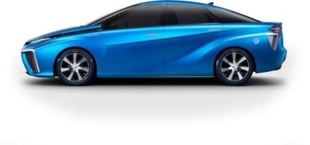 El Toyota con pila de combustible llegará a Europa en 2015