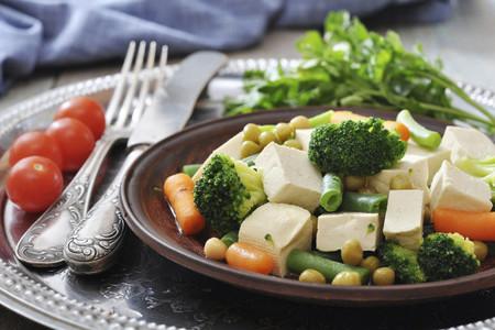 Dieta baja en grasas y rica en fibra y proteinas