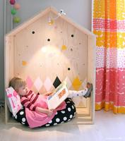 Una casita de madera hecha a mano para los más peques