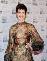 ¡Pero que  Anne Hathaway se nos ha casado!