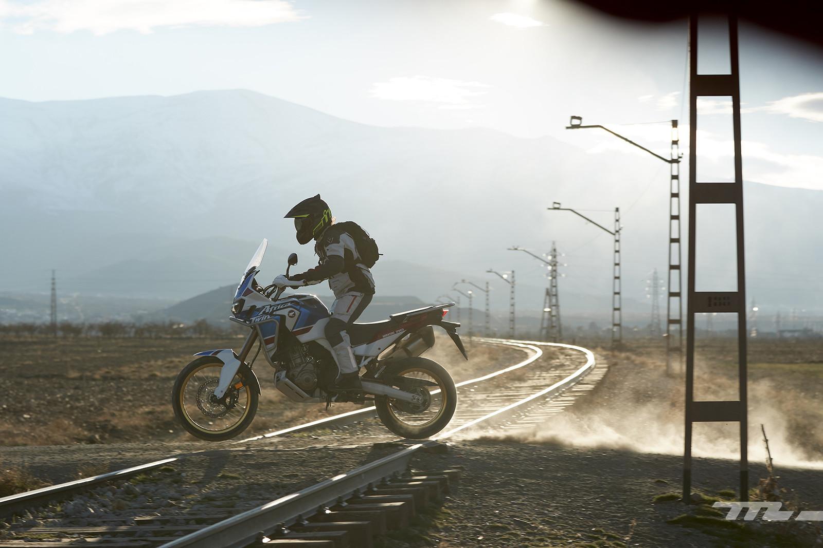 Foto de Honda CRF1000L Africa Twin Adventure Sports 2018, prueba (32/40)