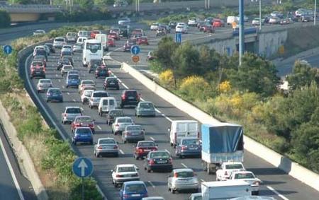 Vivir cerca de una autopista en el embarazo, mayor riesgo de leucemia infantil