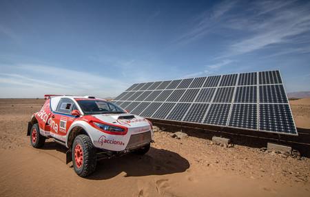 Las energías limpias pueden triunfar en el Dakar: Acciona 100% es el primer coche eléctrico que termina la prueba