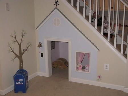 La casa de nuestro mejor amigo, otro uso para el hueco de la escalera