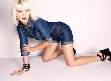 Te descubrimos a Micky Green, it-girl y otra chica Mango