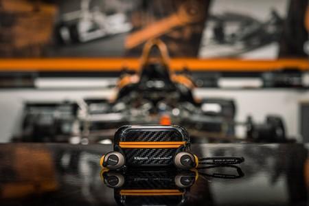 Los nuevos audífonos inalámbricos edición McLaren de Klipsch llegan con carga inalámbrica y hasta 32 horas de autonomía