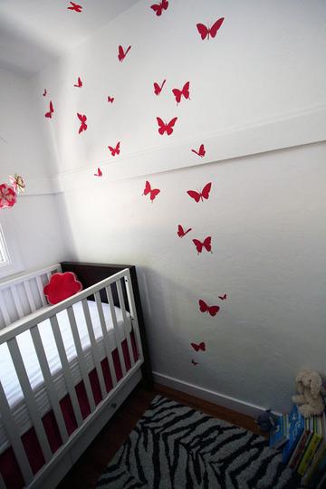 Foto de Mariposas hasta el techo en una pequeña habitación infantil (4/5)