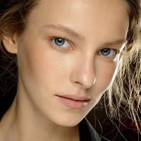 ¿Cómo conseguir que tu base de maquillaje no se note? Te damos las claves