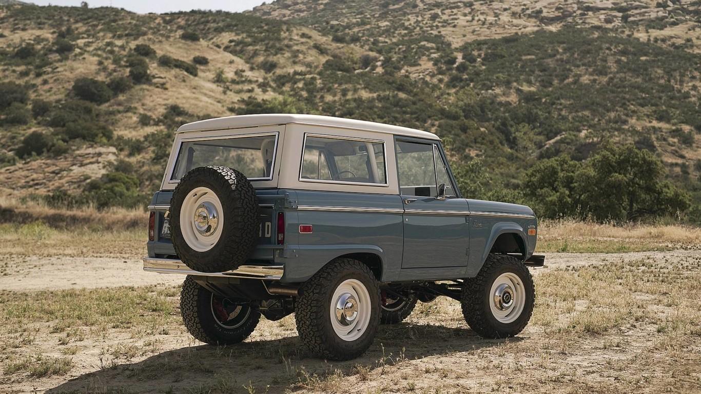 Foto de Ford Bronco restaurado pro Icon 4x4 (1/7)