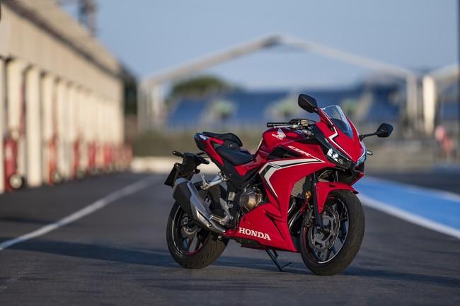 Honda CBR500R: Sutil renovación con 47 CV y 43 Nm para atacar en Supersport 300