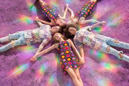 La colección H&M loves Coachella muestra su lado psicodélico