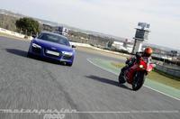 Ducati 899 Panigale contra Audi R8 V10 Plus (dinámica)