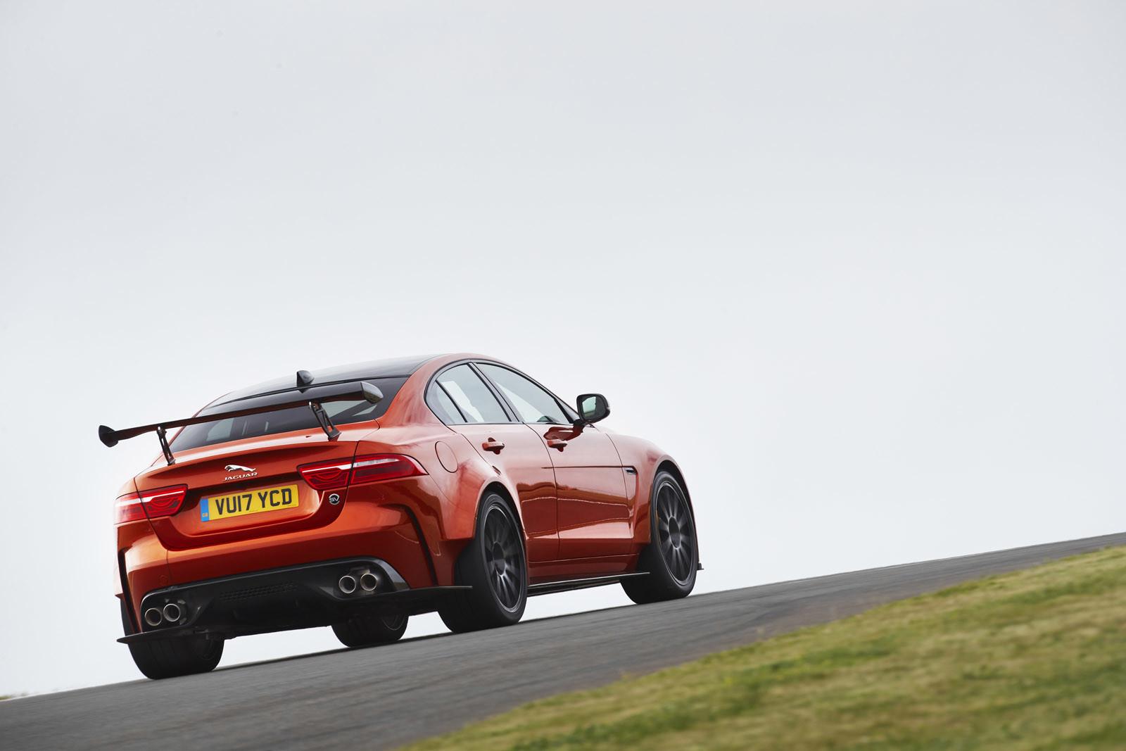 Foto de Jaguar XE SV Project 8 (4/12)