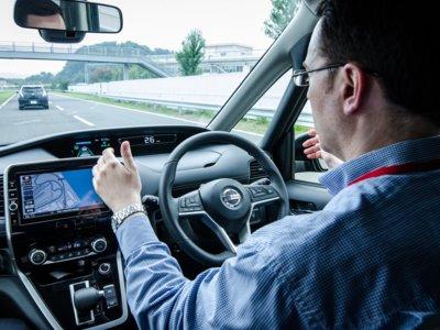 Así es confiar en un piloto automático en las curvas de una autovía: probamos Nissan Propilot