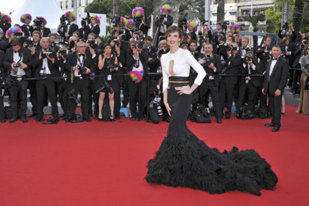 Tercer día del Festival de Cannes: fiesta solidaria y una Paz Vega espectacular