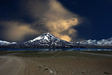 Qué hacer en caso de cancelación de los vuelos por la ceniza volcánica