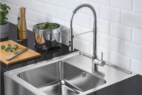 Tendencia al alza, fregaderos con frontal visto o pilas para que tu fregadero sea la estrella de la cocina
