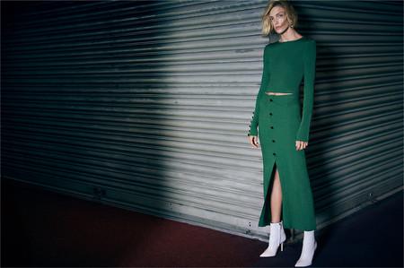 Anja Rubik aterriza en Zara y nos presenta la nueva colección de jerséis para este otoño 2018... y molan mucho