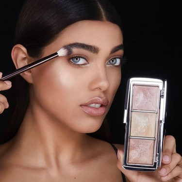 Estas son las novedades de Hourglass para el verano que iluminarán nuestros looks de maquillaje y los mantendrán intactos