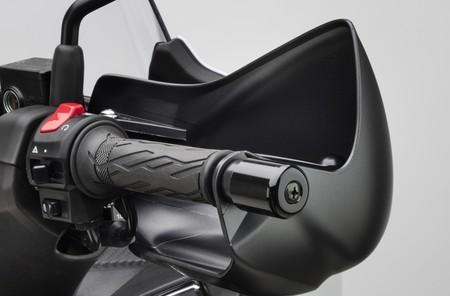 Suzuki Burgman 400 03