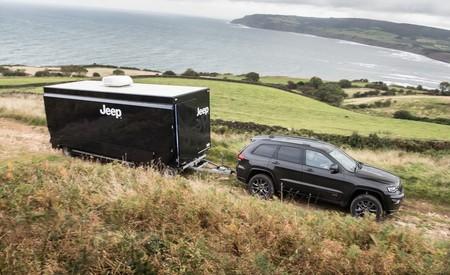 Jeep celebra su 75 aniversario con el primer concesionario sobre ruedas en Inglaterra