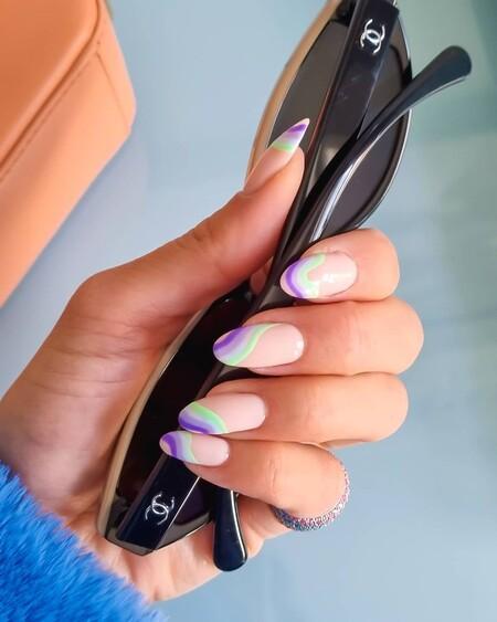 Con la llegada del verano las firmas lanzan esmaltes de uñas a todo color: siete tonos perfectos para estas semanas