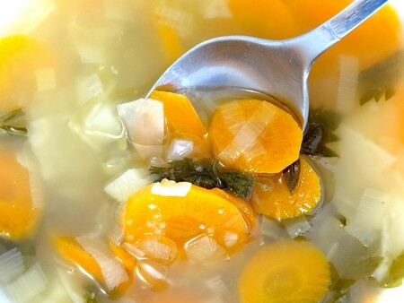 Aprovecha el agua de cocción de tus verduras para otras recetas con estos sencillos consejos