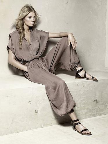 Zara, Primavera-Verano 2010: una mujer con estilo y moderna