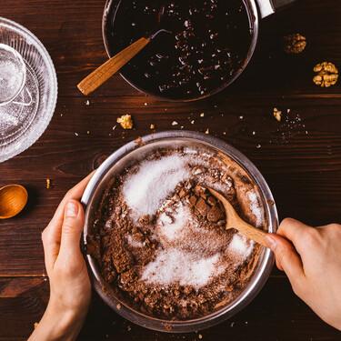 Cómo utilizar hierbas aromáticas y especias en tu repostería, con los trucos de Jacobo Moreno, pastry chef de Pastelerías Mallorca