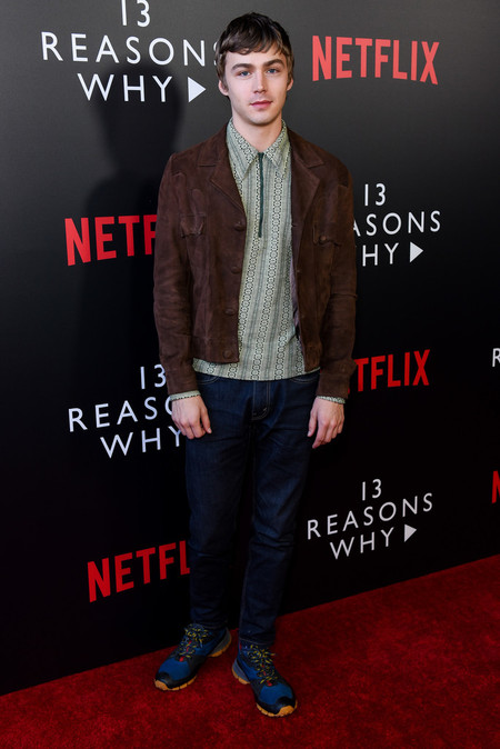 Miles Heizer El Actor De 13 Reasons Why Es El Icono Definitivo De Las Tendencias Retro