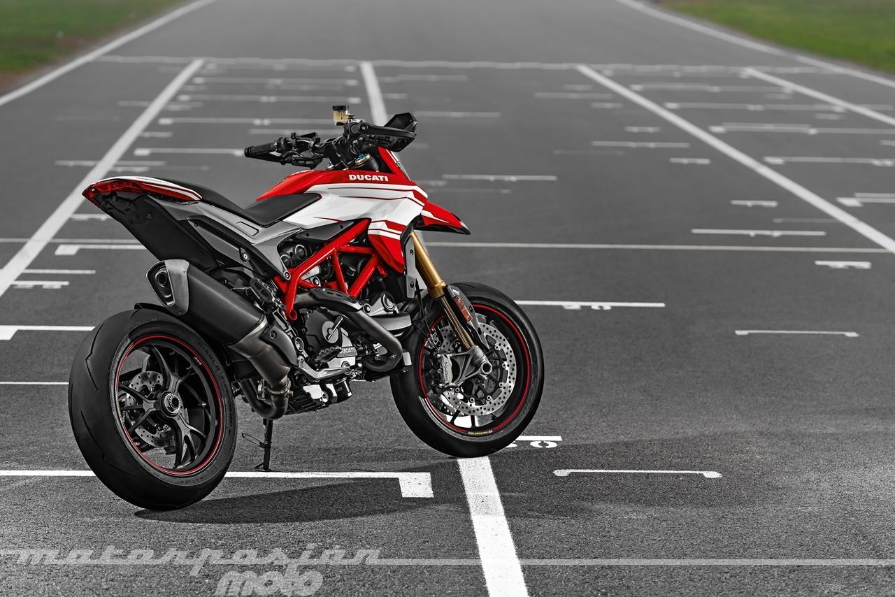 Foto de Ducati Hypermotard 939 SP (10/25)