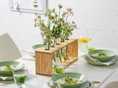 Hazlo tú mismo: un precioso DIY con madera y flores para el día de la madre